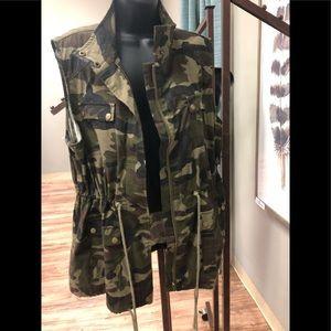 Camo Vest XL